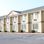 Days Inn & Suites Frostburg