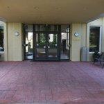 Photo de Days Inn & Suites Frostburg