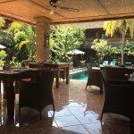 Photo de Puri Garden Hotel & Restaurant