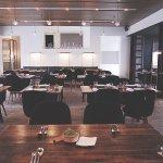 호텔과는 별개로 상해에서 굉장히 유명한 레스토랑 테이블 넘버 원