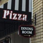 Main Street Pizza - sign