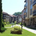 Bojur apartments with beautiful gardens