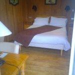 Chambre categorie standard n°14 avec balcon, avec table et chaises