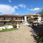 Vista ingreso en el hotel Santa Viviana