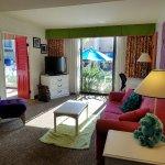 Holiday Inn Hotel & Suites Anaheim (1 BLK/Disneyland)