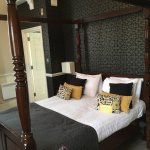 Four poster bed in Room 614