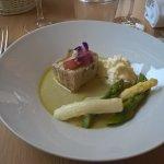 Suprême d'asperge, mi-cuit de thon à l'huile d'olive (une tuerie !)