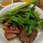 Vermicelles de riz au poulet & boeuf 9,75$