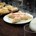Pincho de surimi con mayonesa y gamba