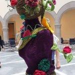 knite in public day