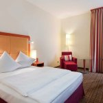 Hilton Queen Guestroom