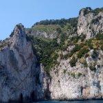 Beleza da natureza, rochas e grutas.