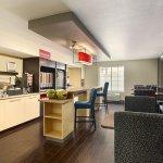 Foto de TownePlace Suites Salt Lake City Layton