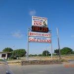 Bridgeport NE Meadowlark Inn & Restaurant Sign