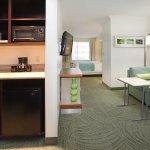 Photo de SpringHill Suites Portland Airport