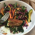 Superfood salad with tempeh
