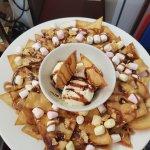 sticky nacho sharer