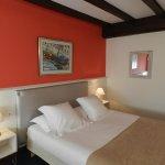 Photo de Hotel Ithurria