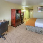 Holiday Inn Express Hotel and Suites Foto