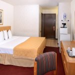 Photo de Americas Best Value Inn La Crosse