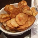 Free potato chips served before starters