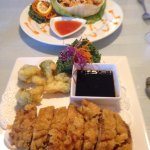 Upper: Pad Thai served in lettuce bowl Bottom: boneless crispy chicken.