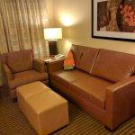 Photo de Embassy Suites by Hilton Anaheim - South