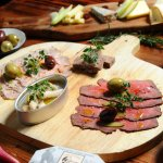 Foto van RAW Eatery And Wood Grill