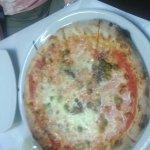 la nostra pizza napoli:acciughe e capperi