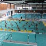 bassin intérieur et cours d'aquafitness