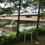 Photo de Covered Bridge Farm Table