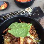 Das YamYam ist ein kleines authentisches koreanisches Restaurant . Kurze Wartezeiten und sehr se