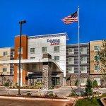 奧克拉荷馬市育空費爾菲爾德套房飯店