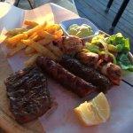 Photo de Greek Village Restaurant