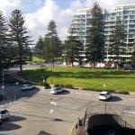 Foto de Oaks Plaza Pier Apartment Hotel