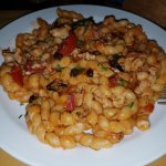 Busiate fresche con triglia, cozze, uvetta e menta