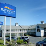 Baymont Inn & Suites St. Ignace Lakefront