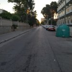 Die Seitenstraße vor meinen Balkon. Ab Abends sehr belebt