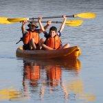 Simón y Marcos en kayak por el Paraná