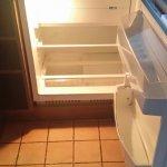 Ustensiles de cuisine complet et de bonne qualité toutefois le réfrigérateur pour 4 P est trop p