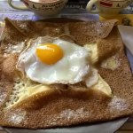 Galette saucisse oeuf fromage