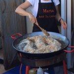 On brasse le riz au début seulement pour bien mélanger les saveurs du Sofrito!