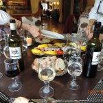 le (self-) service du saumon et les vins maison (d'Oc) à la Croix Savoyarde