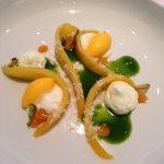 Fresco dessert con mango e pepe verde