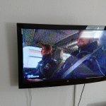 Doppelzimmer, TV Bild kaum zu erkennen