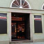 Photo de Zluta Ponorka Poetic Cocktail Bar
