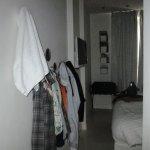 Sistema para pendurar roupas, na parede....