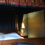 Four Poster bed in themed room 41.