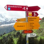 Hiking signs between Allendhubel and Murren.