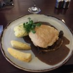 Sticky toffee pudding, steak & ale pie (note:small portion of mash!)